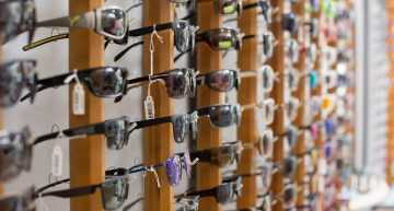 Online Retailing No Threat to Traditional Eyewear Outlets